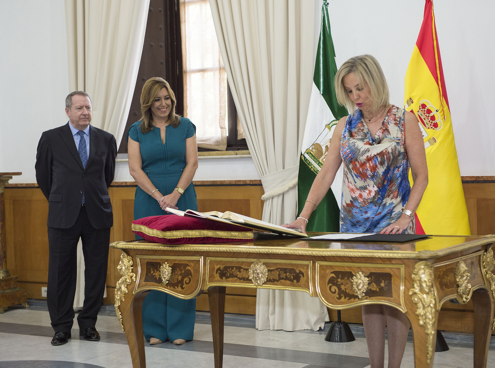Toma de posesión de Ana Tárrago Ruiz.