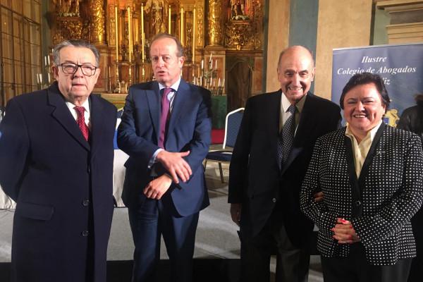 La presidenta del Consejo Consultivo de Andalucía, en el I Premio José Pedro Pérez-Llorca y Rodrigo.