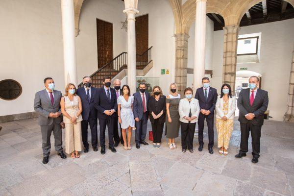 La presidenta del Consejo Consultivo asiste a la apertura del año judicial